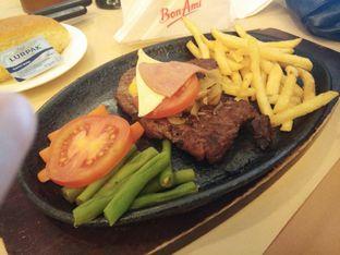 Foto 4 - Makanan di Bon Ami Restaurant & Bakery oleh ochy  safira