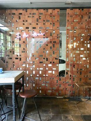 Foto 8 - Interior di Fillmore Coffee oleh Prido ZH