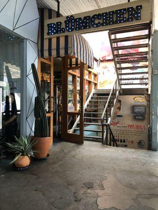 Foto 5 - Interior di Blumchen Coffee oleh Nanakoot