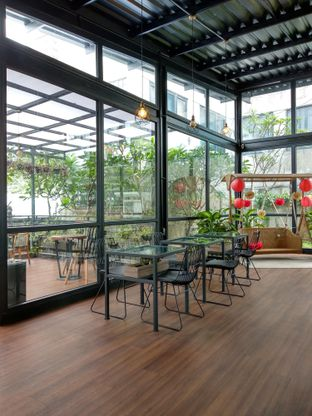 Foto 10 - Interior di Kaca Coffee & Eatery oleh Ika Nurhayati
