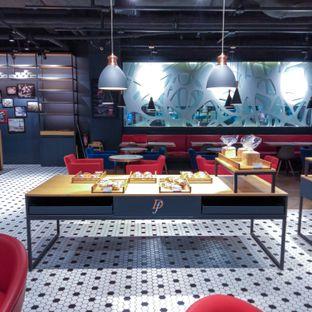 Foto 6 - Interior di Delifrance oleh duocicip
