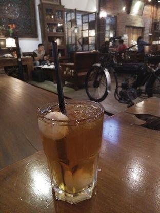 Foto 1 - Makanan(Ice lychee tea) di Gudang Lawas oleh zelda