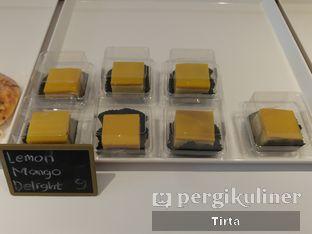 Foto 17 - Makanan di Rokue Snack oleh Tirta Lie