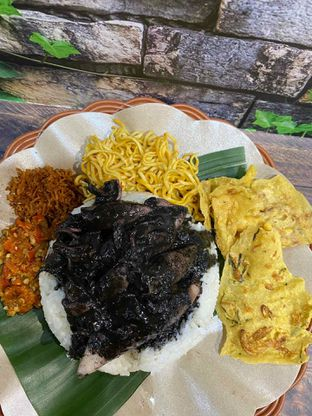 Foto review Nasi Cumi Hitam Madura Pak Kris oleh Yohanacandra (@kulinerkapandiet) 18