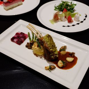 Foto 3 - Makanan di Collage - Hotel Pullman Central Park oleh Belly Culinary