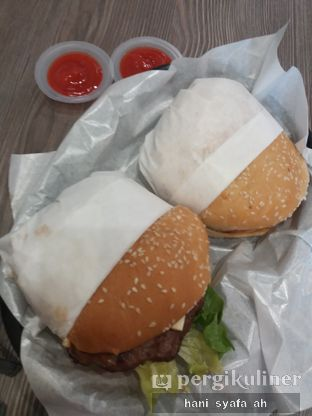 Foto 1 - Makanan di Carl's Jr. oleh Hani Syafa'ah
