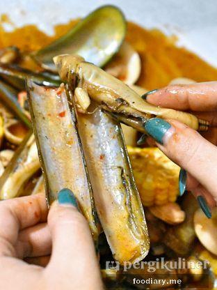 Foto 1 - Makanan di Kantin Seafood Nyengir oleh @foodiaryme | Khey & Farhan