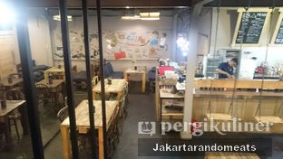 Foto 8 - Interior di Journey Coffee oleh Jakartarandomeats