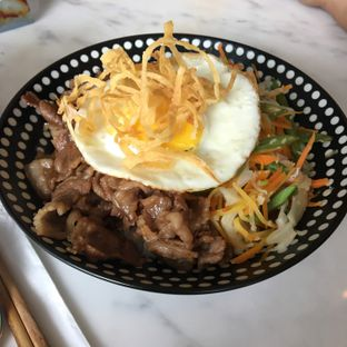 Foto 2 - Makanan(Truffle Donburi Beef) di Fat Shogun oleh Ria
