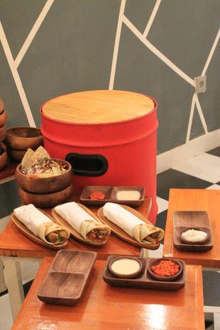 Foto 10 - Makanan di Emado's Shawarma oleh Prido ZH