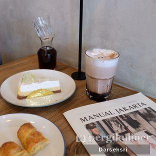 Foto 5 - Makanan di Dancing Goat Coffee Co. oleh Darsehsri Handayani