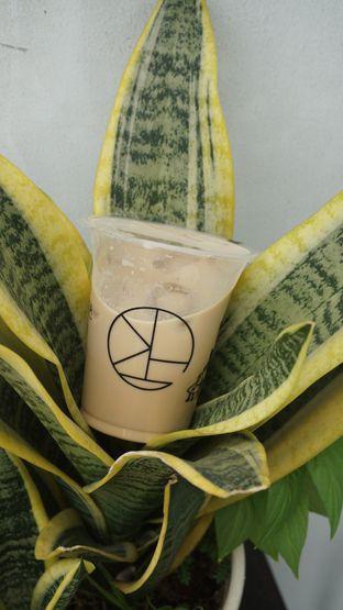 Foto 1 - Makanan di Morethana Minilib & Coffee oleh Theodora
