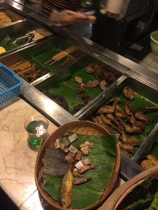Foto 1 - Makanan di Alas Daun oleh Isabella Chandra