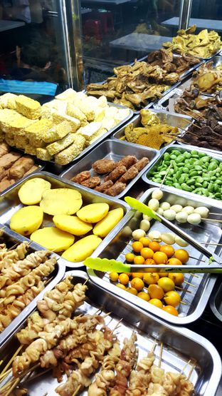 Foto - Makanan di Nasi Uduk Kiko Sari oleh Naomi Suryabudhi