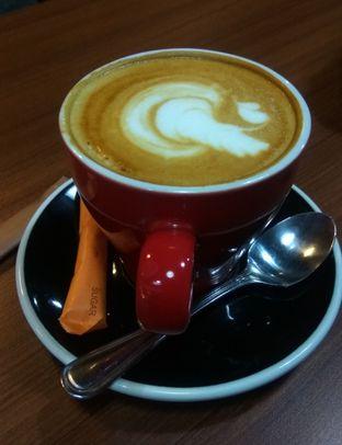 Foto 1 - Makanan(Cappucino (IDR 43k) ) di Mokka Coffee Cabana oleh Renodaneswara @caesarinodswr