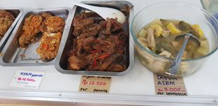 Foto 8 - Makanan di Warung Makan - Makan oleh Meri @kamuskenyang