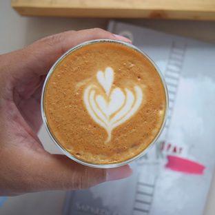 Foto 1 - Makanan(piccolo latte) di Logika Coffee oleh Andreas ( IG : ommakanom )