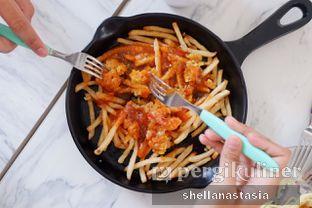 Foto 8 - Makanan(Cheesy Fries) di Lumer+ oleh Shella Anastasia