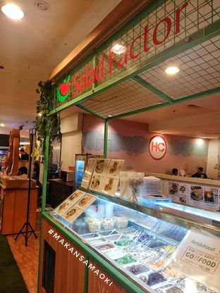 Foto 3 - Interior di Salad Factor oleh @makansamaoki