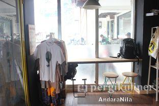 Foto 8 - Interior di Kopipapi Coffee oleh AndaraNila