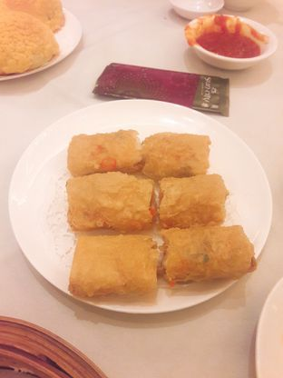 Foto 3 - Makanan(Lumpia Udang Kulit Tahu) di Sun City Restaurant - Sun City Hotel oleh Fannie Huang||@fannie599