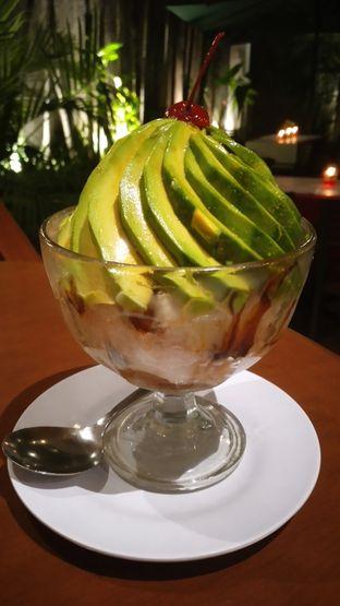 Foto 3 - Makanan(Es Avocado) di Bon Ami Restaurant & Bakery oleh Kezia Kevina