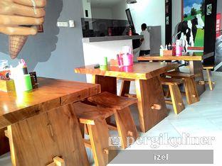 Foto 7 - Interior di BASIC Kedai Bakso dan Ice Cream oleh izel / IG:Grezeldaizel