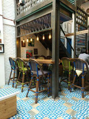 Foto 3 - Interior di Giyanti Coffee Roastery oleh Nafinia Putra