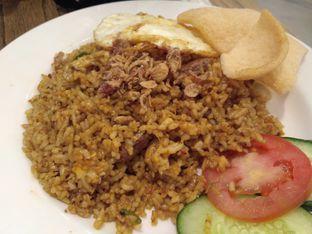 Foto 2 - Makanan(Nasi goreng ayam) di Kafe Betawi oleh Stella Griensiria