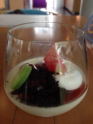 Foto 3 - Makanan di OPEN Restaurant - Double Tree by Hilton Hotel Jakarta oleh awakmutukangmakan