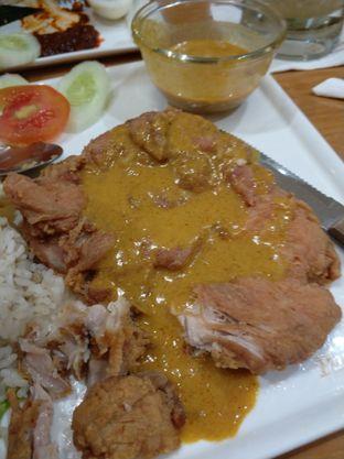 Foto 1 - Makanan di PappaRich oleh iqiu Rifqi