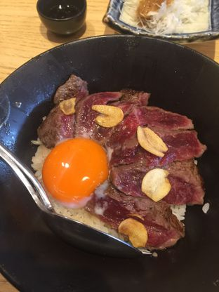 Foto 2 - Makanan(Gyudon) di Sushi Hiro oleh San Der
