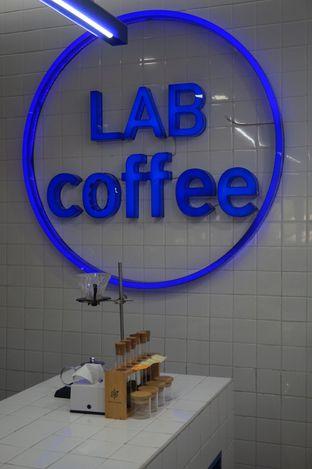 Foto 9 - Interior di Lab Coffee oleh yudistira ishak abrar