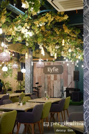 Foto 15 - Interior di The Kyfie Kitchen oleh Deasy Lim