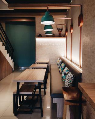 Foto 5 - Interior di Big Pond Coffee oleh Eat and Leisure