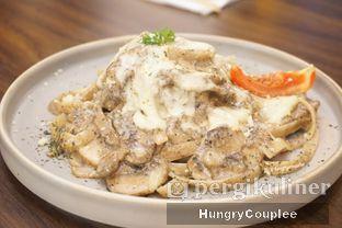 Foto 2 - Makanan di Trvffle Bistro oleh Hungry Couplee