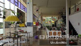 Foto 10 - Interior di Eighty/Nine Eatery & Spirits oleh UrsAndNic