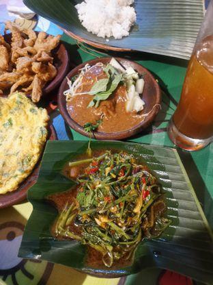 Foto 3 - Makanan(Pecel & Cah Kangkung) di Waroeng SS oleh Angela Debrina