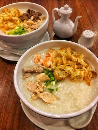 Foto 3 - Makanan(Bubur Ayam & Udang) di Ta Wan oleh Fadhlur Rohman