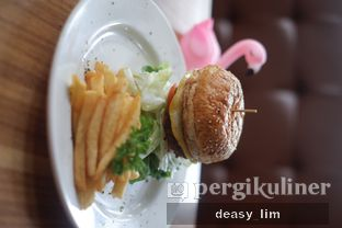 Foto review Intro Jazz Bistro & Cafe oleh Deasy Lim 5