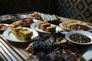 Foto 6 - Makanan di Ikan Bakar Hj. Merry oleh yudistira ishak abrar