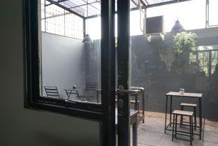 Foto 5 - Interior di Monomania Coffee House oleh BUKUmenuku