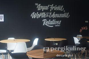 Foto 9 - Interior di The H Cafe oleh Desy Mustika