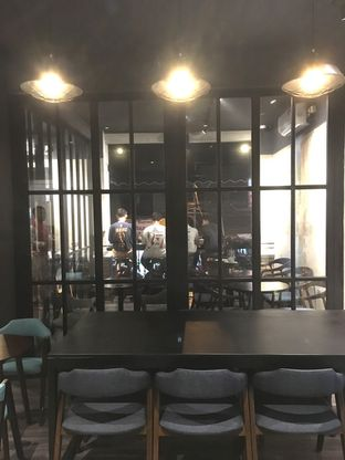 Foto 22 - Interior di Dopamine Coffee & Tea oleh Prido ZH