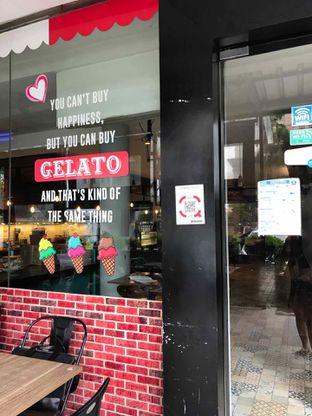 Foto 5 - Interior di Iceberg Pizza & Gelato oleh @belfoodiary