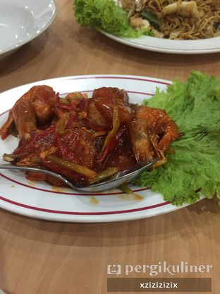 Foto 2 - Makanan(Udang Asam Manis) di Resto Alami oleh zizi