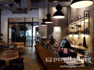 Foto 2 - Interior di Crematology Coffee Roasters oleh Asiong Lie @makanajadah