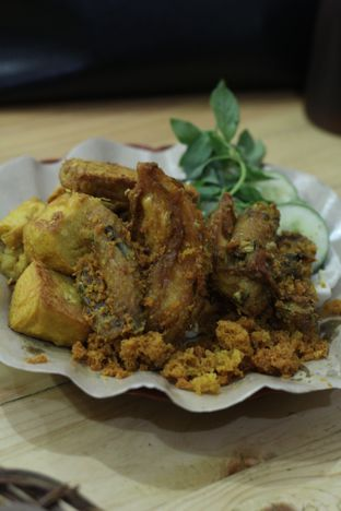 Foto 2 - Makanan di Ayam Goreng Kalasan Borobudur oleh thehandsofcuisine