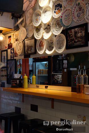 Foto 5 - Interior di Pizza Place oleh Darsehsri Handayani