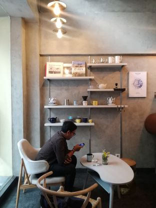 Foto 9 - Interior di Awesome Coffee oleh Lili Alexandra